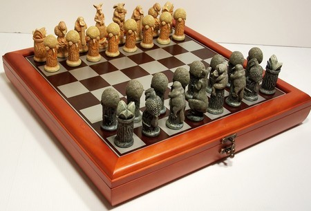 "Hand Paint Chess Set - ""Australiana"" Theme with 75mm pieces, 45cm Chess Set Board + Storage Box"