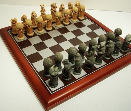 Hand Painted Theme Polyresin Chess - Australiana Chess pieces 75mm pieces, Board Not Include