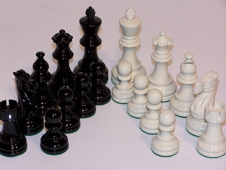 Chess Pieces - Classic Jaques Boxwood Black & White 95mm Wood Double Weighted