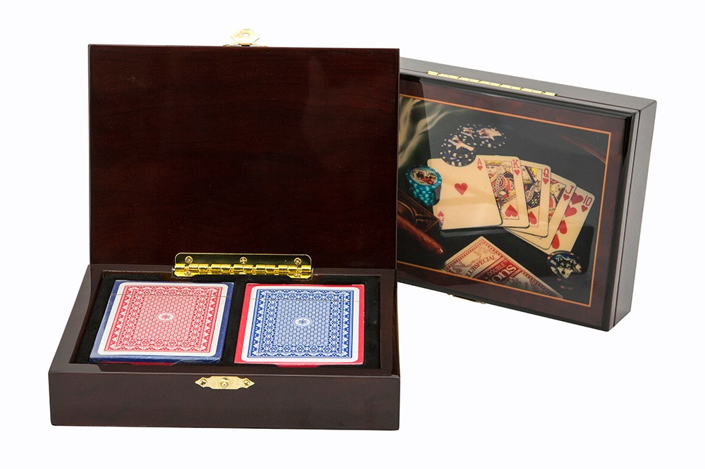 Las Vegas - card box wood cigar style including cards