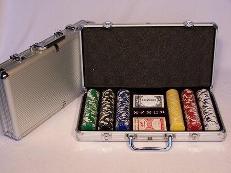 Casino Chips &Accessories - Poker chips 300pc aluminium att case 11.5gm