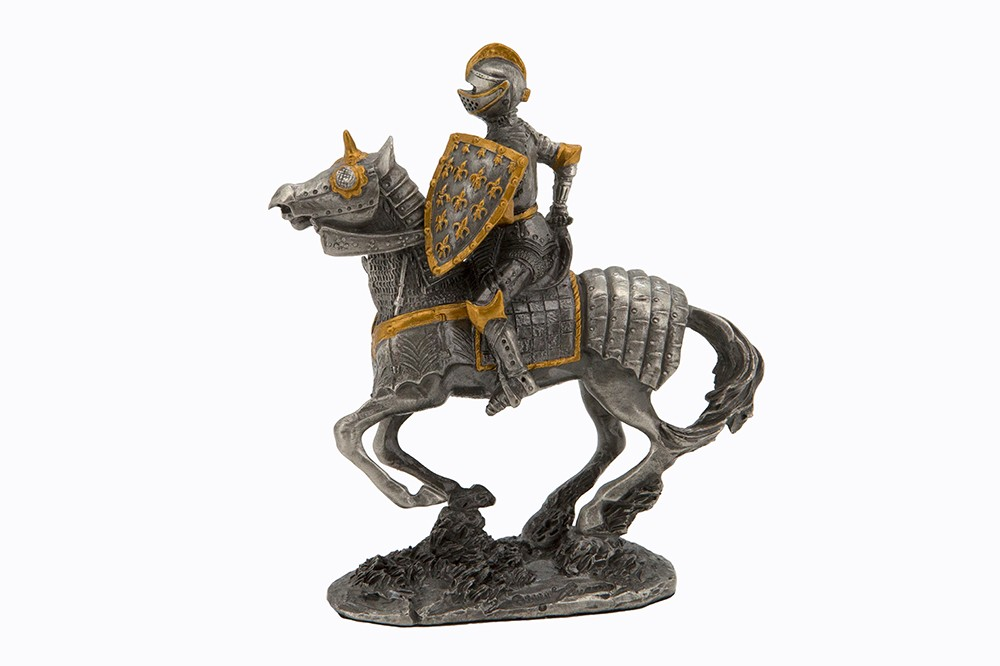 Dal Rossi Pewter KNIGHT SERIES-HOLDING AX IN RIGHT