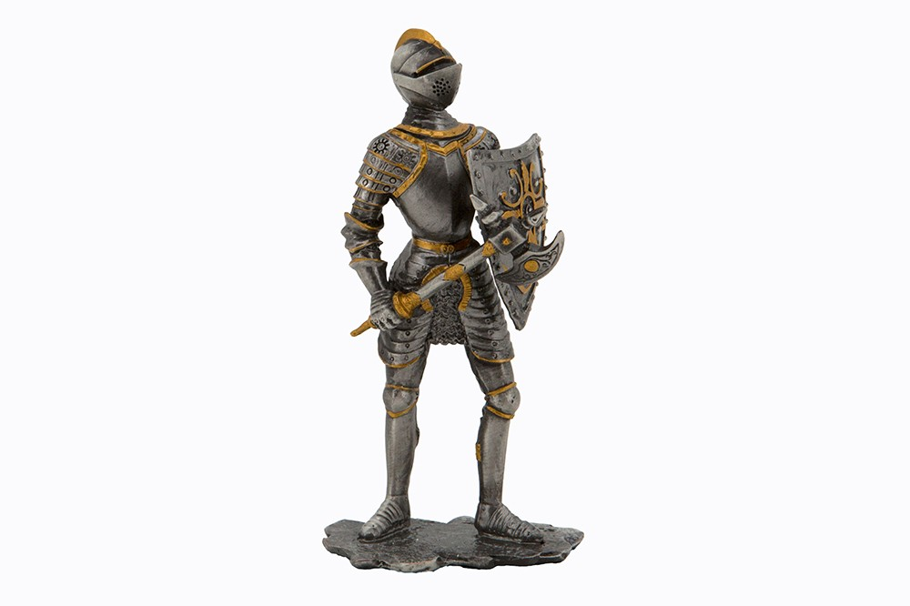Dal Rossi Pewter WARRIOR SERIES - HOLDING AX IN