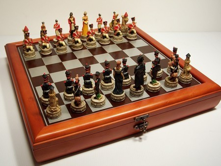 "Hand Paint Chess Set - ""Battle of Waterloo"" Theme with 75mm pieces, 45cm Chess Set Board + Storage Box"