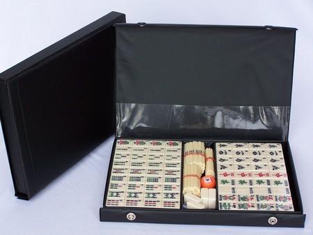 Mahjong, black vinyl case, with sticks 32cm