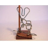 Colonial Classics Wire Wood Base - Locked Heart, Wood base NEW